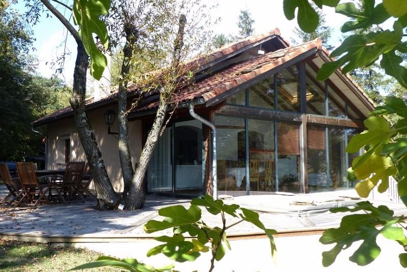 Un havre de paix maison terrain avec bois 5000 m charme et d pendances immobilier agence for Maison bois sud ouest